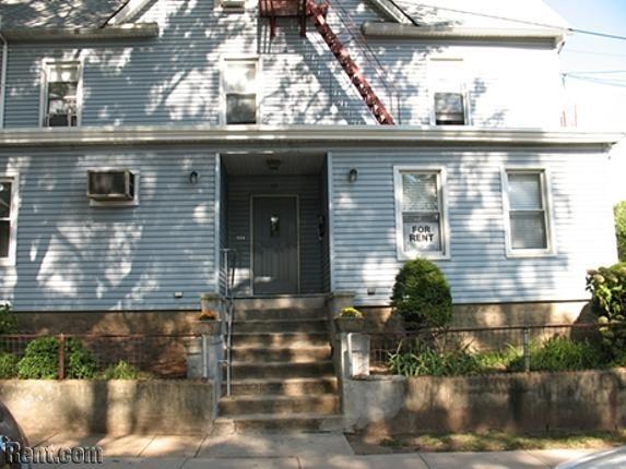 Roselle Park - Roosevelt Street - Fourplex - 111 Roosevelt Street, HASH(0x17412088) NJ 07204 - Rent.com