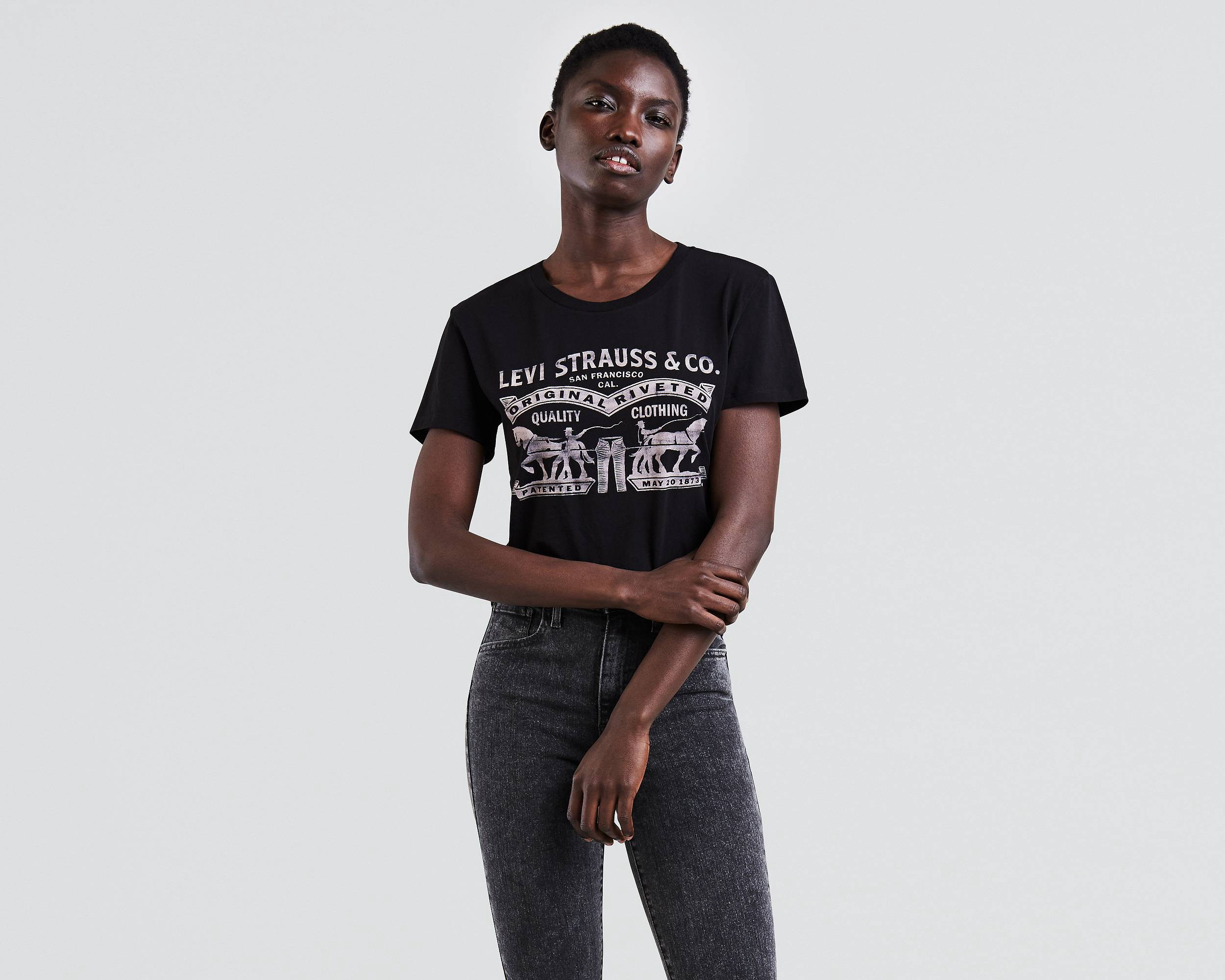 359dada72 Levi's Perfect Graphic Tee - Black 2 Horse XL   Products   Graphic ...