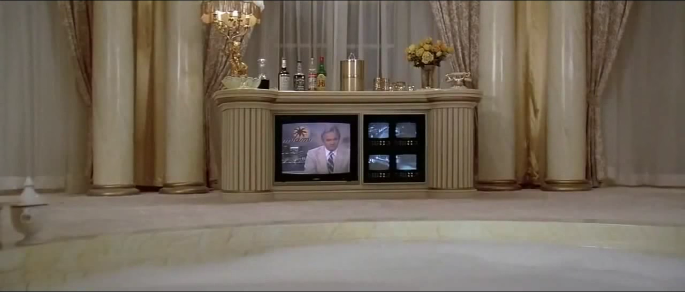 Scarface Bathroom Tv