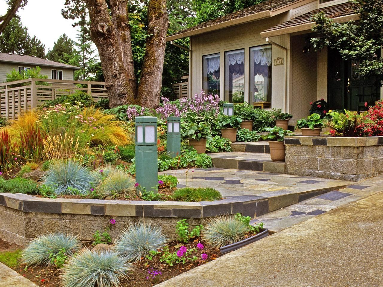 Tips For Creating A Gorgeous Entryway Garden Small Backyard Landscaping Backyard Landscaping Yard Landscaping