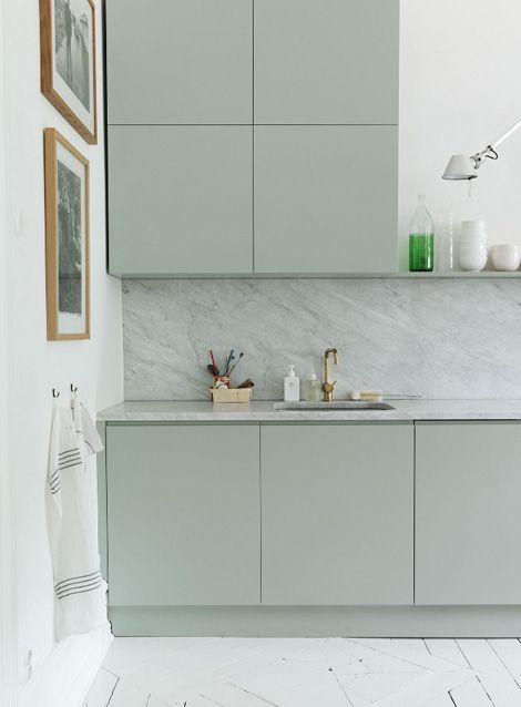 Trendfärger 2019 Årets 5 toner att inte missa - Kitchen marble, Interior design kitchen, Kitchen inspirations, Scandinavian kitchen, Kitchen interior, Mint green kitchen - trendfärger 2019 mandelgrön