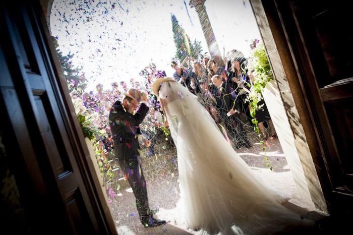 Salida de la ceremonia de boda. www.egovolo.com