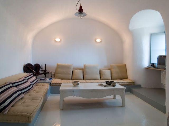 Perfil | ChicandDeco | Una casa con encanto, sencilla y austera en las islas griegas en Chic