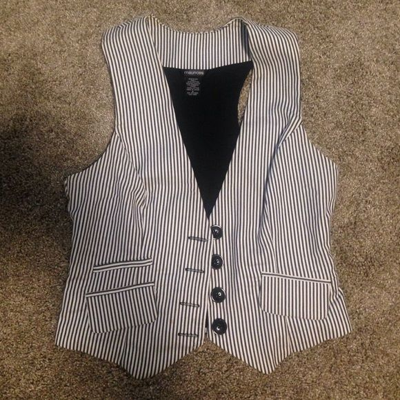 Striped button up vest. Would be cute dressed up or down. Heather grey and white stripes. 4 button closure with a tie-back Maurices Jackets & Coats Vests