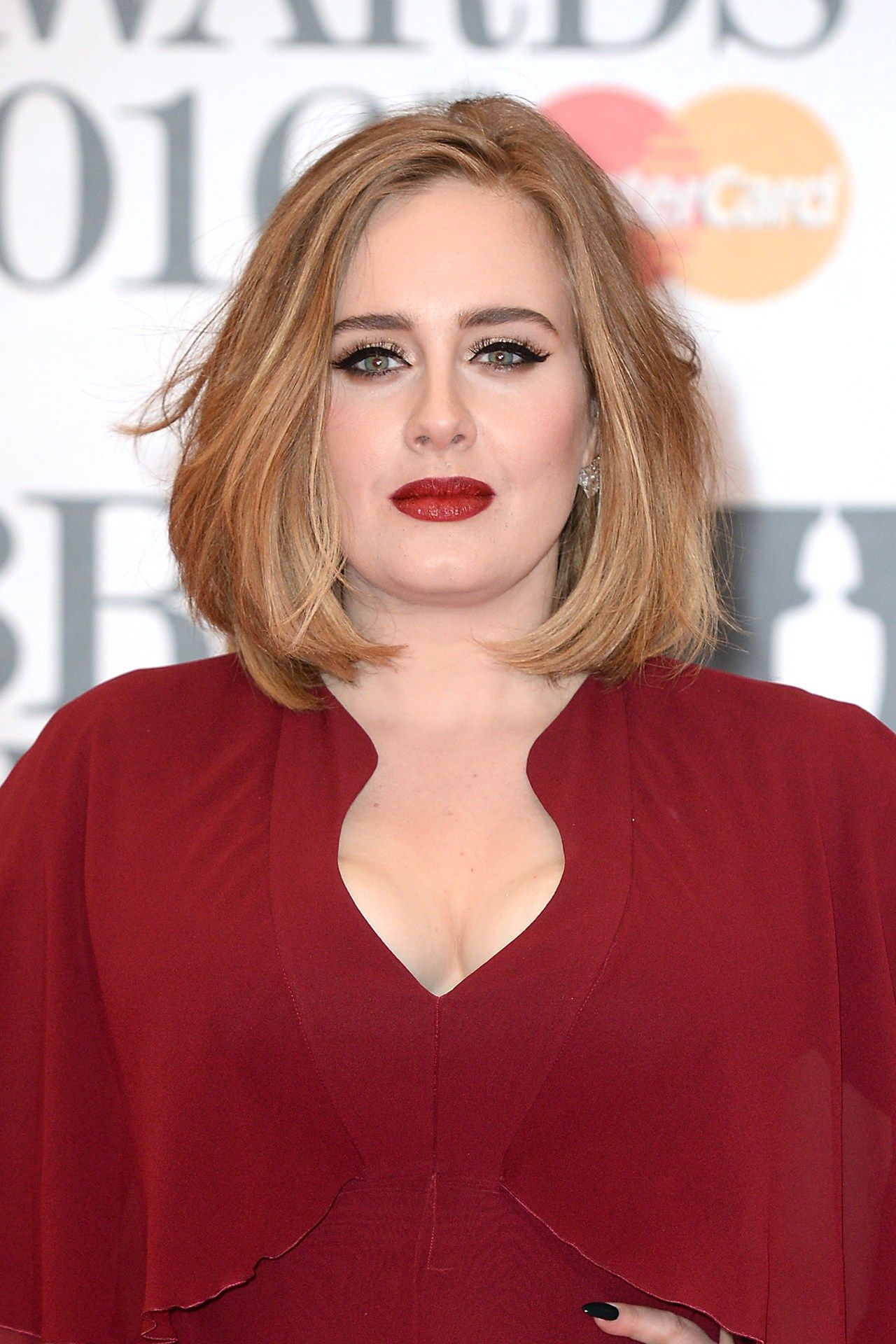 photo Adele Hair Style: Classic Beauty on the Red Carpet