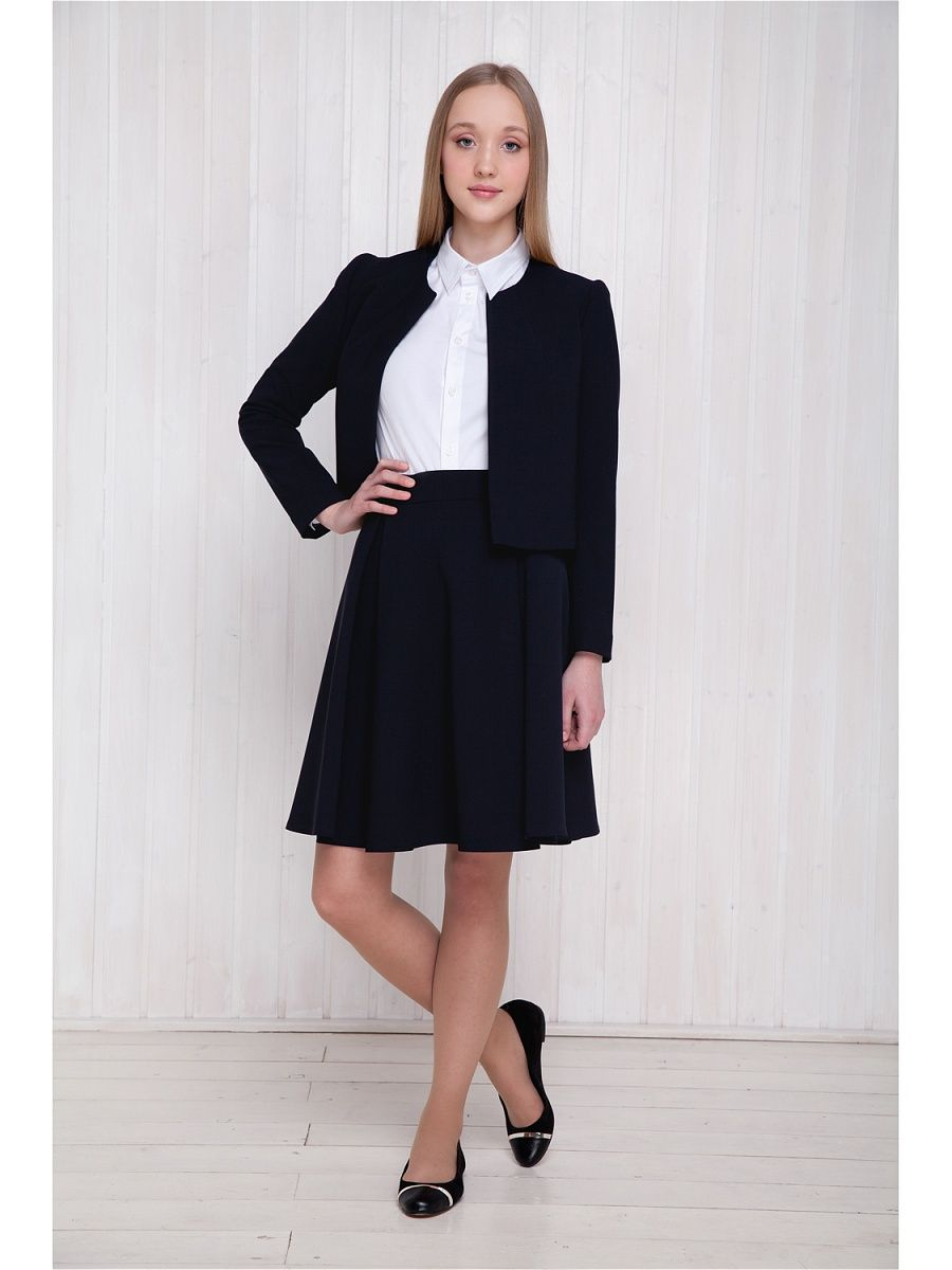 Miriam Kanzler, classic office wear