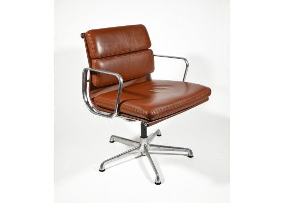 Soft pad chair ea 208 von charles eames für icf bürostühle