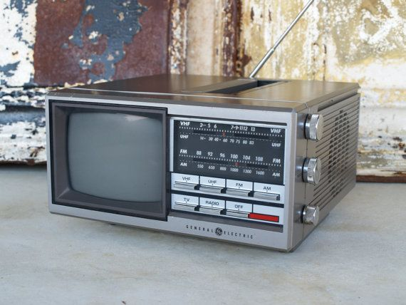 From the early 80 39 s vintage tv a friend of mine still has mine and it still works nostalgia - Tafel tv vintage ...