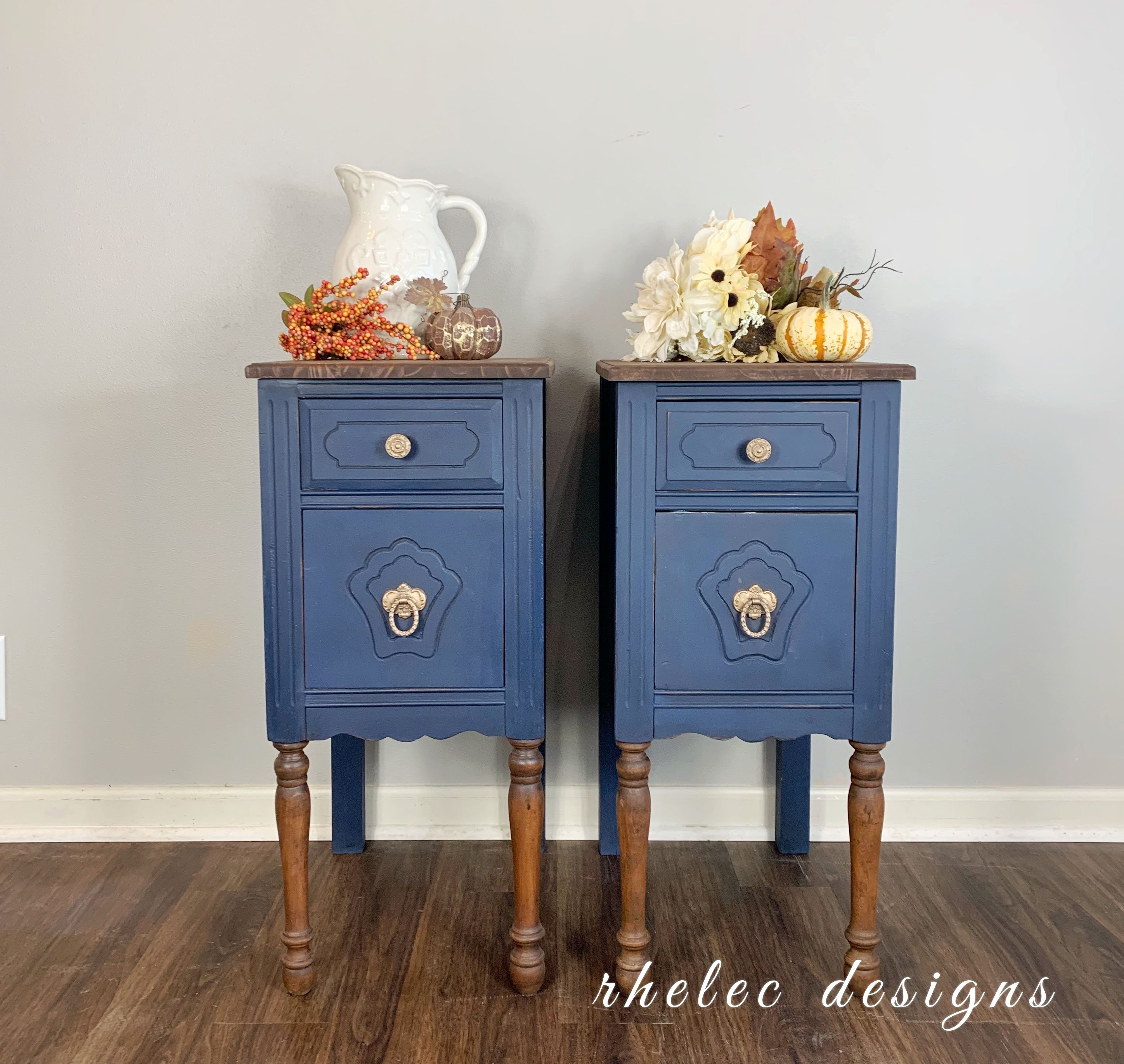 This Two Toned Set Came Out Beautifully Painted In Wise Owl S Anchor And Stained With A Custom Mix Of Stain By Varathane In 2020 Design Nightstand Wise Owl