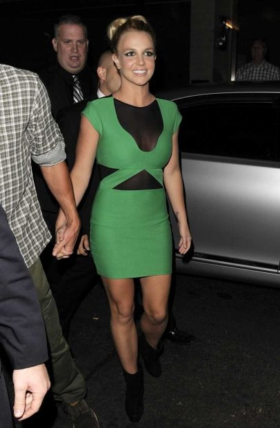 Britney Spears And Boyfriend Pictured Arriving In A Green Dress For Her World Tour Party London Uk