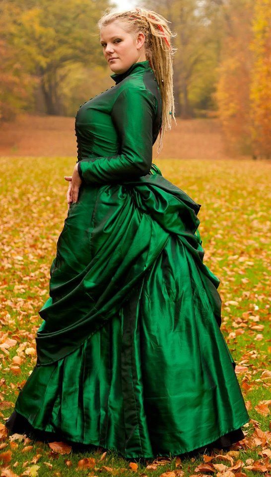 Green Victorian Bustle Gown by BlackvelvetSITC | Costume | Pinterest ...