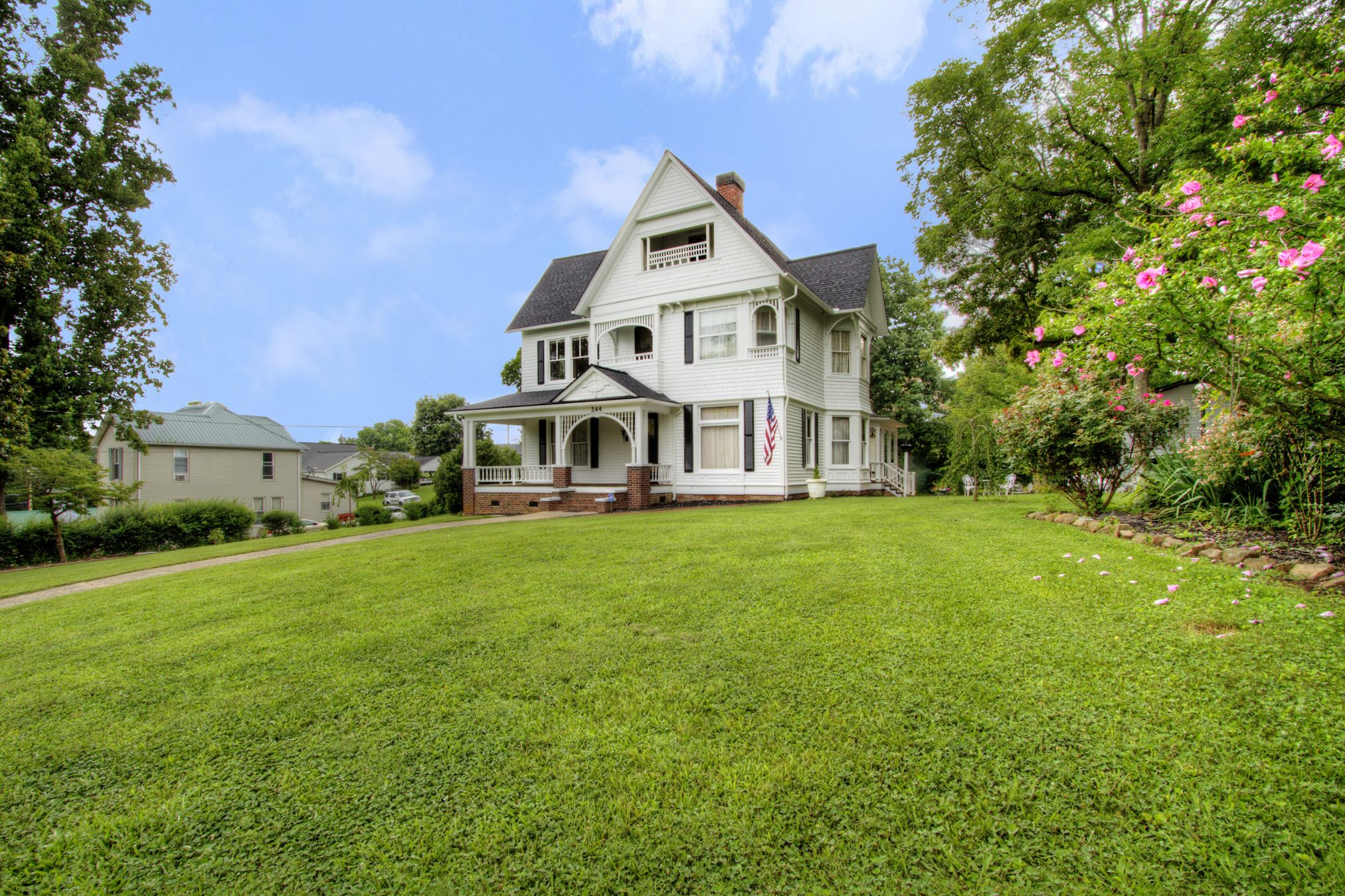Magnificent 50 Historic Homes For Sale In Every State Across America Download Free Architecture Designs Meptaeticmadebymaigaardcom
