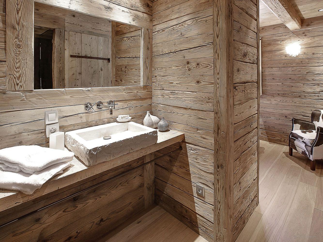 Épinglé par Heidi L Bowie sur Bathroom remodel | Chalet, Salle de ...