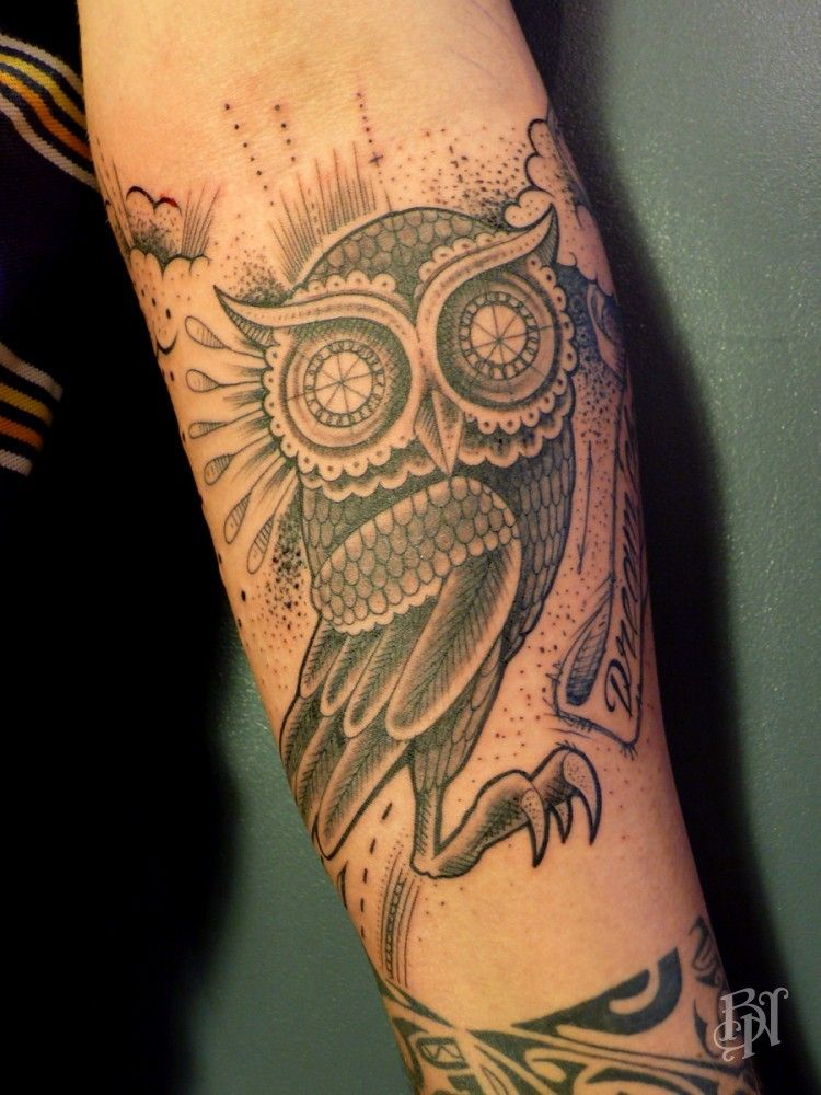 bleu noir tatoo tattoos pinterest tatouage hiboux tatouage et chouette tatouage. Black Bedroom Furniture Sets. Home Design Ideas