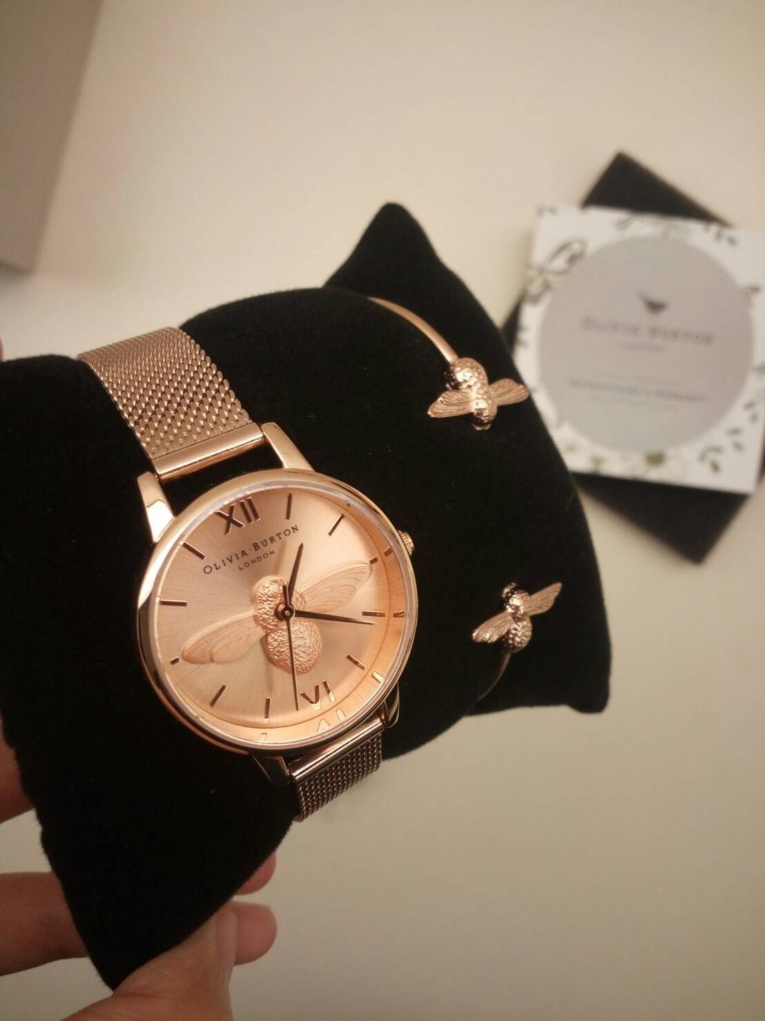 Olivia Burton Jam Tangan Wanita Luxury Daftar Harga Termurah Ori Bonia B796 3355 Stainless Steel Link Bracelet Bee On Time With The Newest Midi Dial Addition To Our Ever Popular 3d Collection