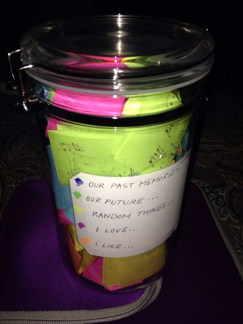 My Boyfriend Made Me A Jar With 365 Notes With Different Topics So I Can Open One Everyday I M Away At C Best Boyfriend Gifts Jar Of Notes Cute Boyfriend Gifts