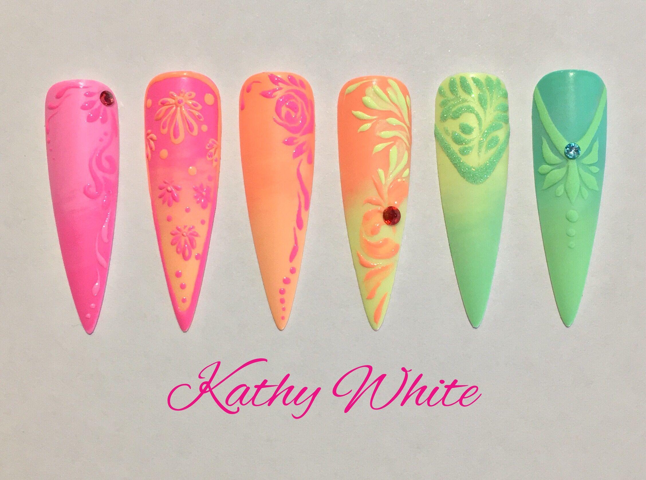 Photo of Gel design negler. Sjekk ut Kathy White Nail Training på Facebook.