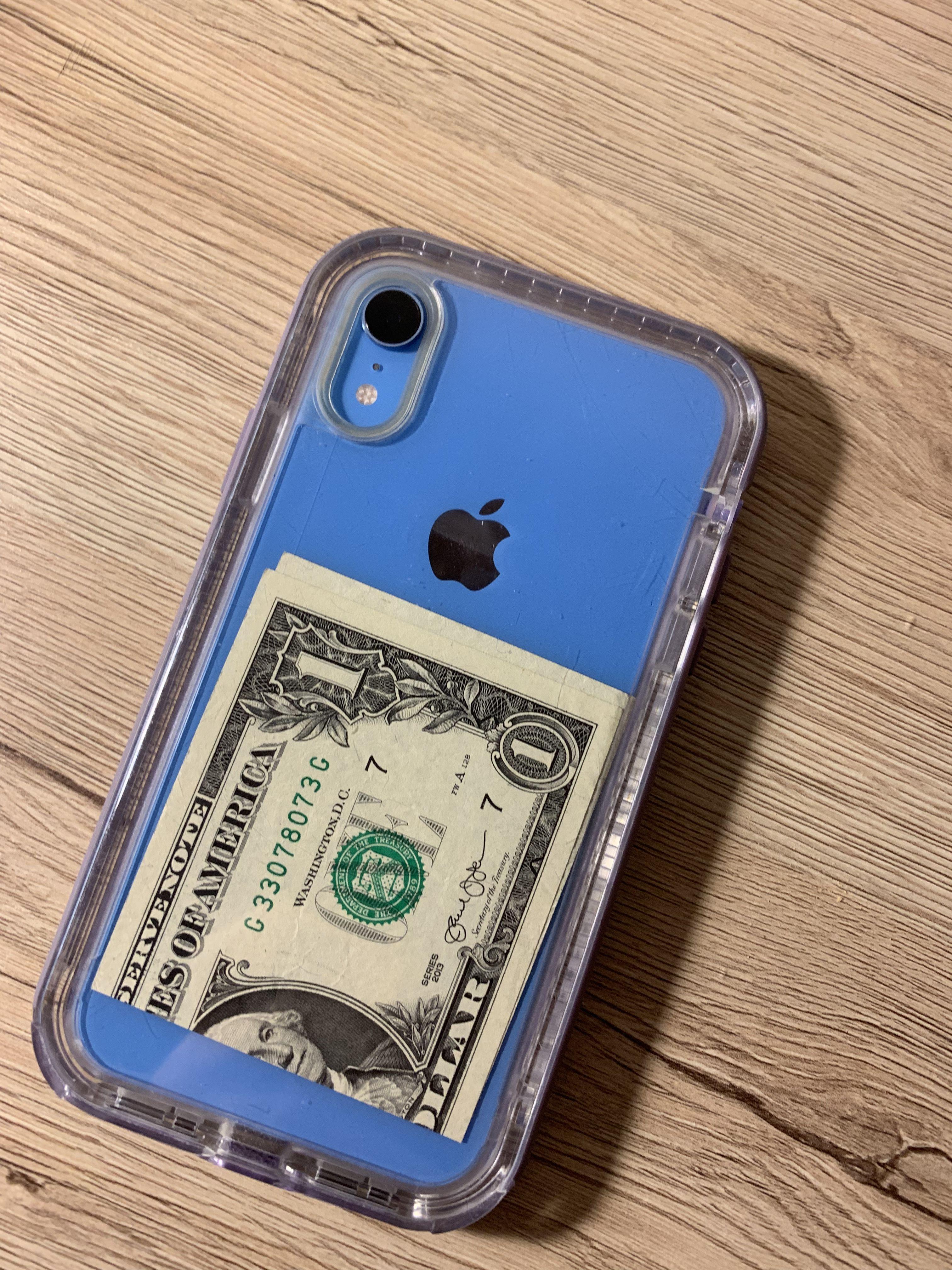 Blue iPhone XR💙🦋