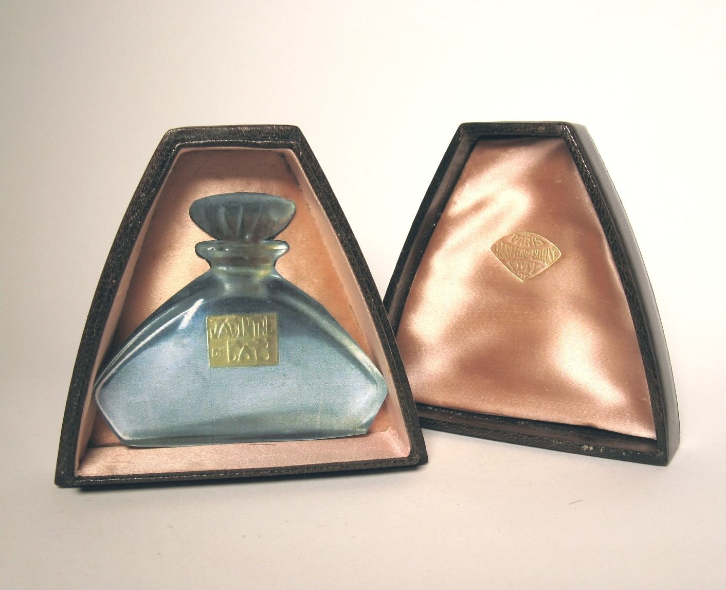 "*1911  R.LALIQUE/Coty ""JASMIN DE CORSE""or Heliotrope  Perfume in  Leather Case 7,5cm"