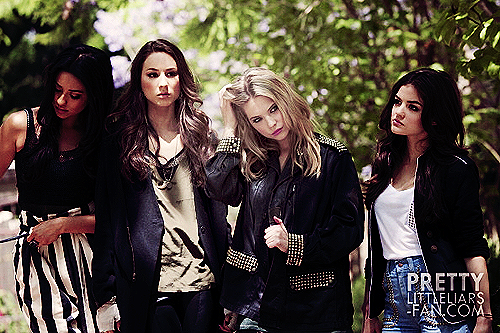 Shay Mitchell Troian Bellisario, Ashley Benson And Lucy Hale