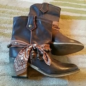 ALDO Boots - **host pick** NWOT Leather Boots