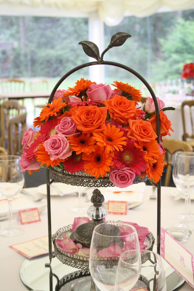 Gorgeous centre pieces | There was about 15 tables with thes… | Flickr