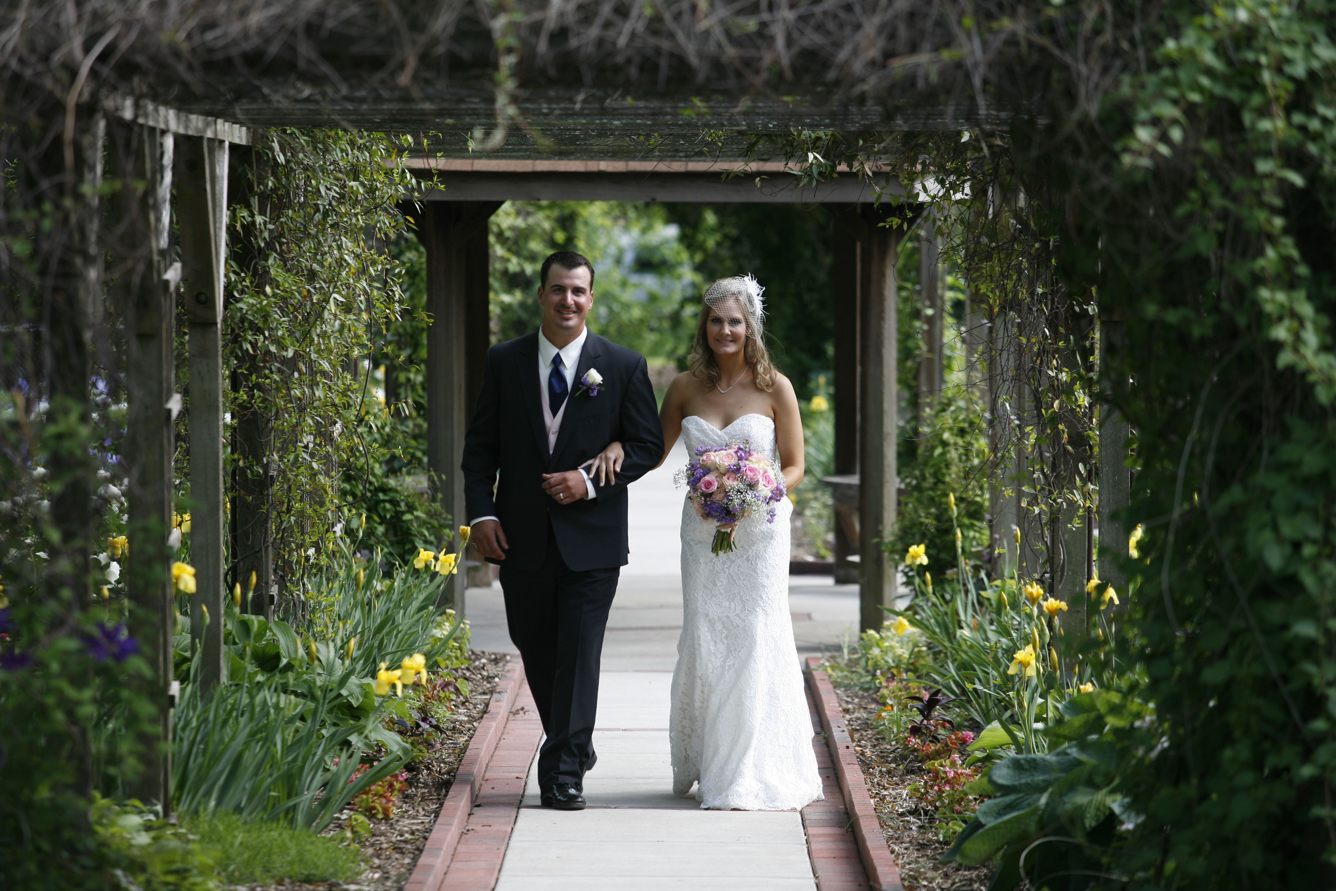 Wedding Ceremony At Bissell House Rose Garden In North St Louis County Stlcowedding