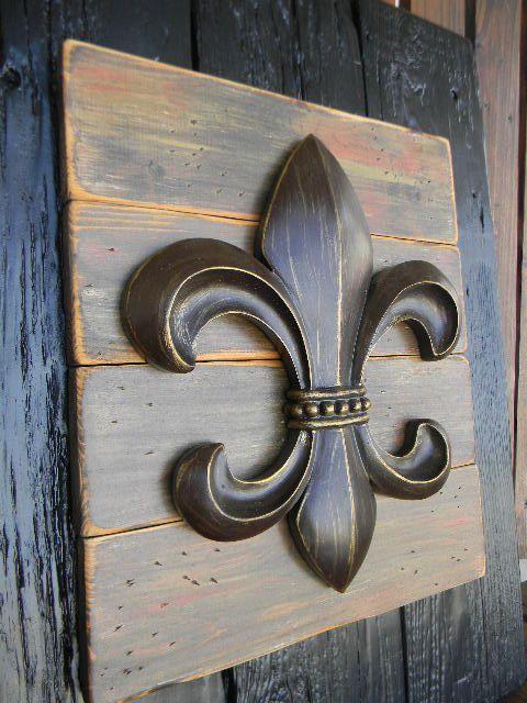 French Fleur De Lis Rustic Art Home Decor Wall Hanging Etsy Rustic Art Tuscan Decorating Louisiana Decor