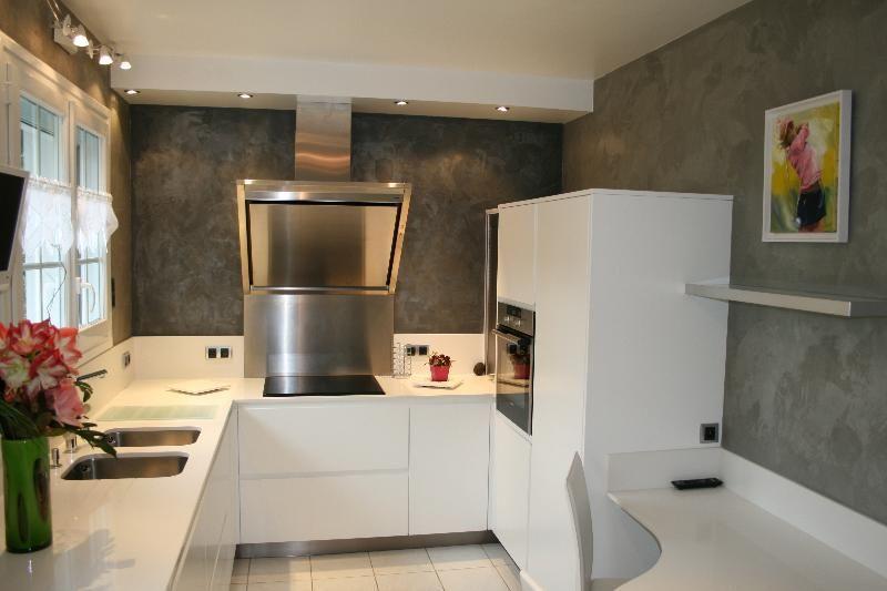 Plan de travail de cuisine en Quartz blanc | buanderie | Pinterest ...