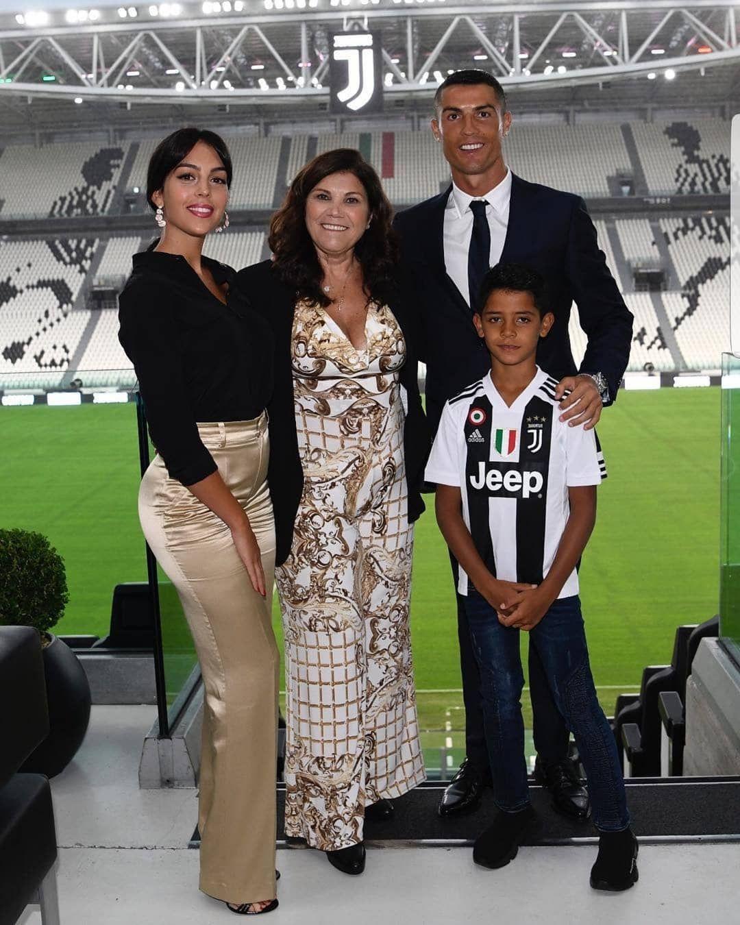 Family Goals Cr7 Cristiano Ronaldo Ronaldo és Cristano Ronaldo