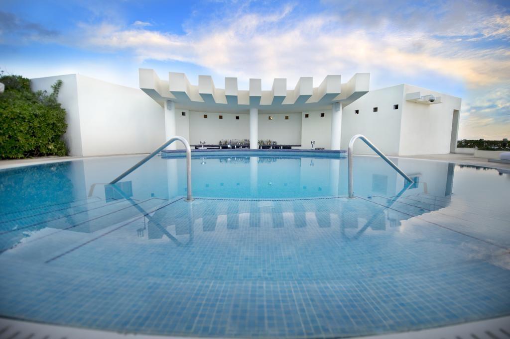 Best Honeymoon Resorts Live Aqua Cancun Mexico Weddings Weddinginspiration Bridalinspiration Weddingideas