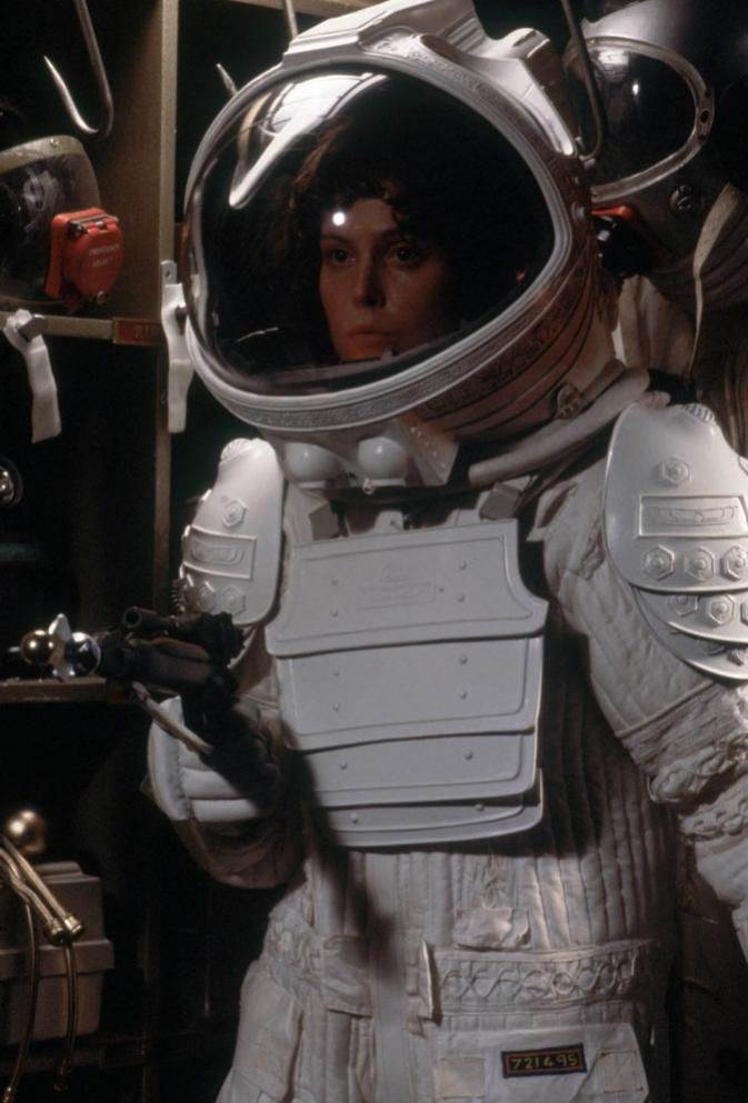 b32325feddfb Alien space suit Ripley
