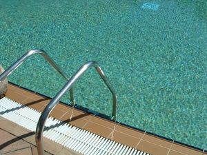 Home Remedies To Remove Green Tint From Blonde Hair Caused By Pool