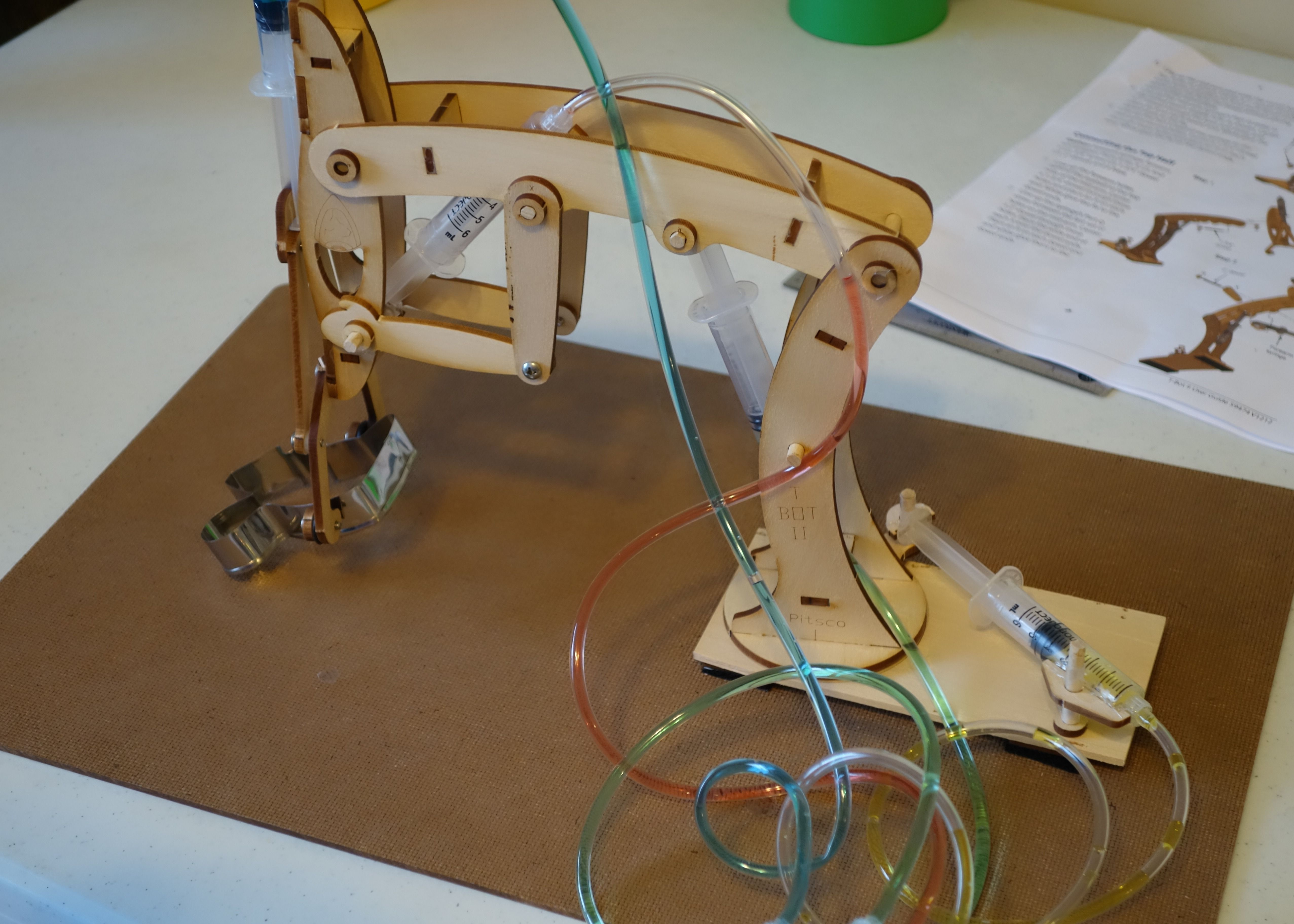 Excavator Hydraulic Arm Project : Hydraulic arm kit science at home pinterest robótica