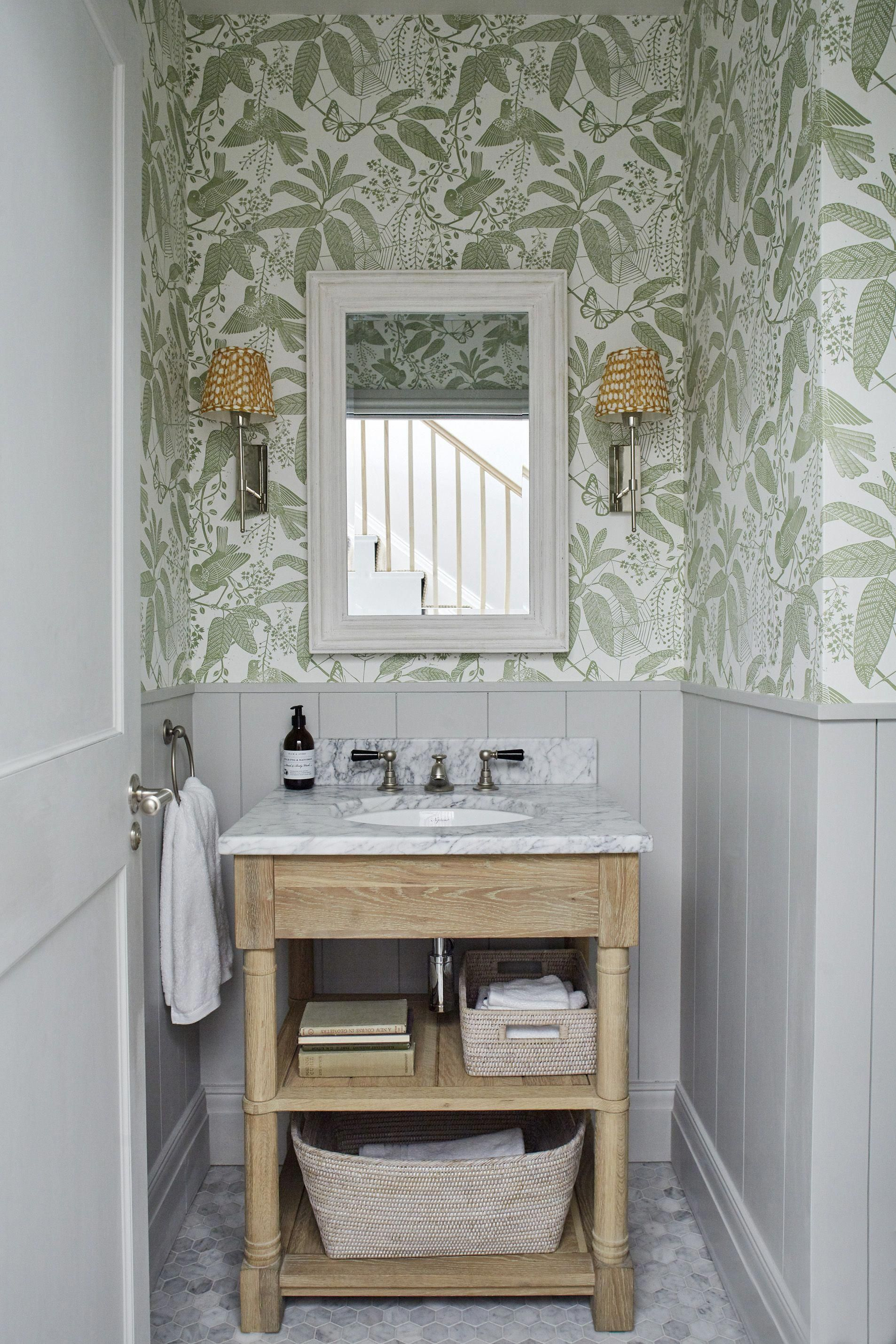 Sims Hilditch Parsons Green Townhouse Bathroom With Half Wall Panelling And Wallpaper Bathroominspo Townhouse Bathroom Bathroom Decor Bathroom Interior
