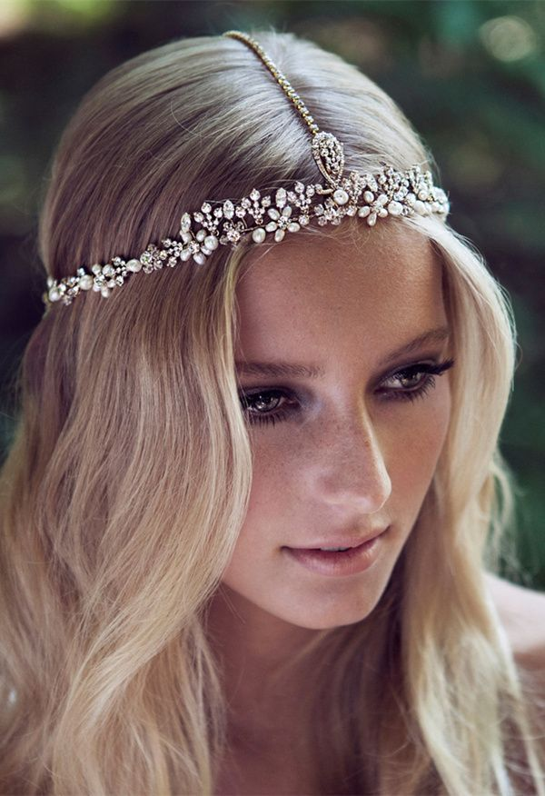 Inspirational and easy wedding hairstyles with Charming Headpieces - Hairstyle Women / Pinterest