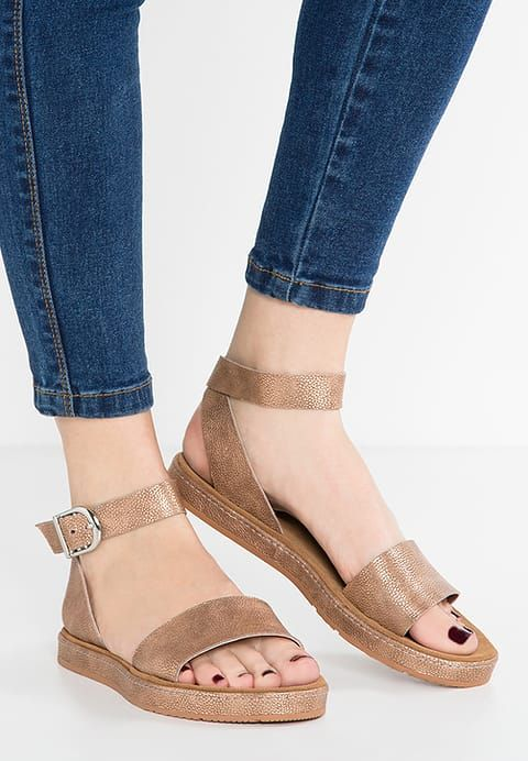 6f21eb7322c Clarks ROMANTIC MOON - Sandals - gold for £39.99 (16 06 17) with free  delivery at Zalando