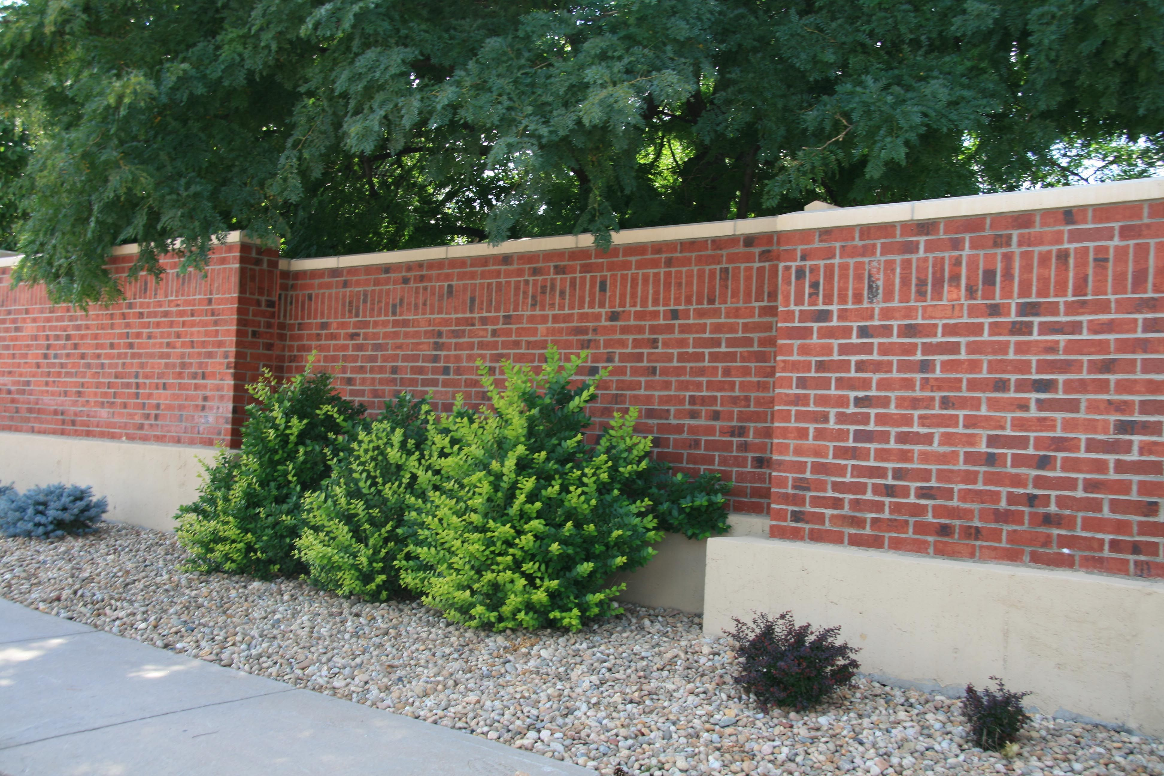 Don T Let Your Retaining Wall Be Boring Summit Brick S Bonfire