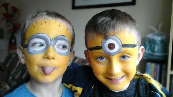 minion face painting google search kinderschminken pinterest kinder schminken. Black Bedroom Furniture Sets. Home Design Ideas