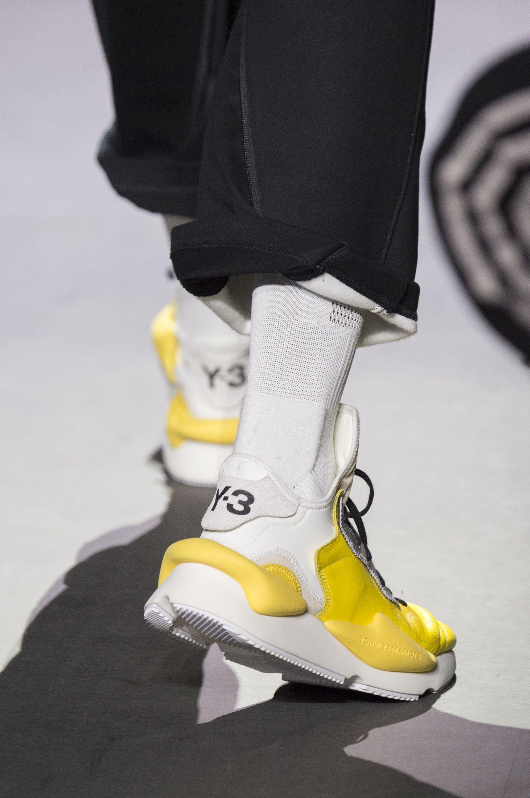 Sneakers men fashion, Mens fashion