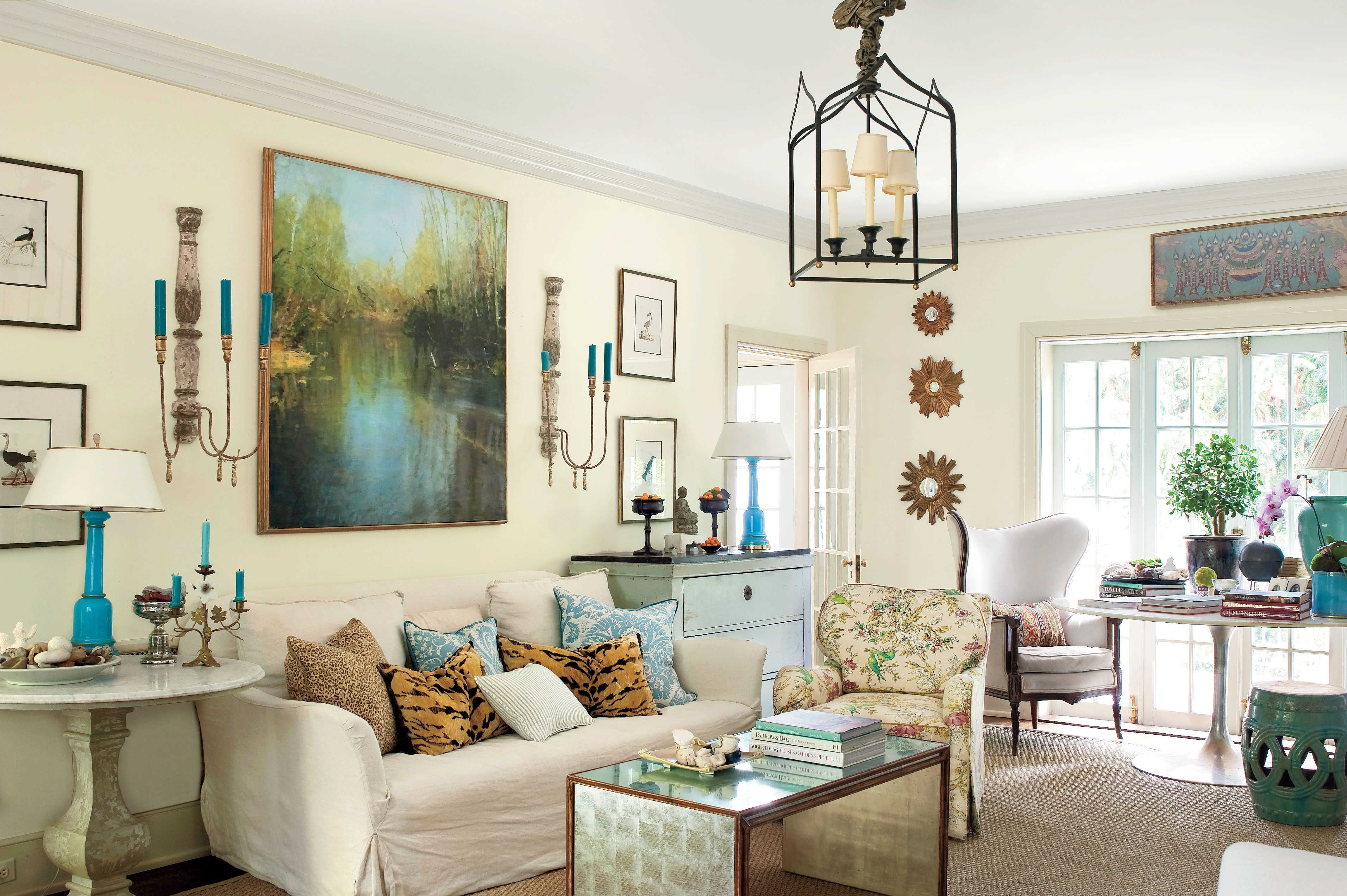 The 5 Dead Giveaways of a Southern Home | Southern, Living rooms and ...