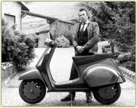 I never did like the Cosa. Piaggio lost faith in the Vespa with this Thing.
