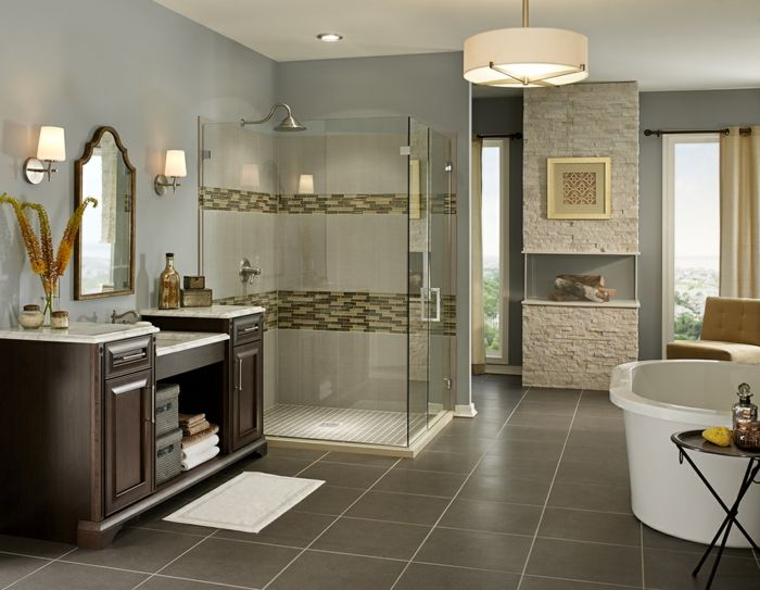 badideen badezimmerfliesen wandspiegel beistelltisch badleuchten ... - Badideen