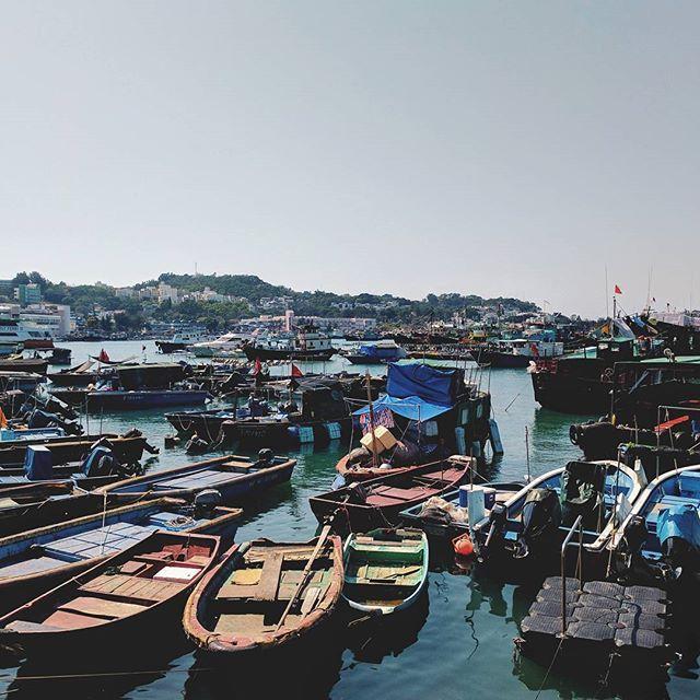 One boat two boat red boat blue boat  - #vsco #chengchau #boat #pier #ocean #hongkong #hk #hkig #travel #tourist #traveller #travelphotography #travelpic #travelgram #instatravel #vacation #wanderlust #explore #explorehk #discoverhongkong #itookaphoto #photo #photography #photoadventures #googlepixel #teampixel #shotbypixel #travel #tourism #travelgram #meetingprofs #eventprofs #meeting #planner #events #eventplanner #popular #trending #micefx [Visit www.micefx.com for more...]