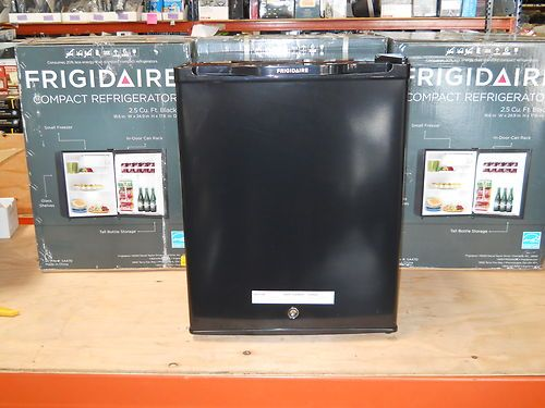 frigidaire refrigerator bfph25m4lb small room dorm mini compact