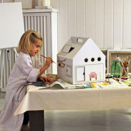 Casa de muñecas carton