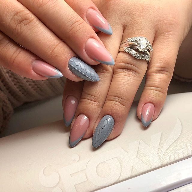 Holiday Nails Hours: Sweater Nails . Just Simple . #foxy_nails_roseville