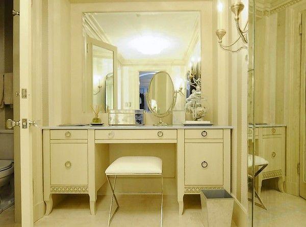 Elegant dressing room. | Bathroom interior design, Home ...