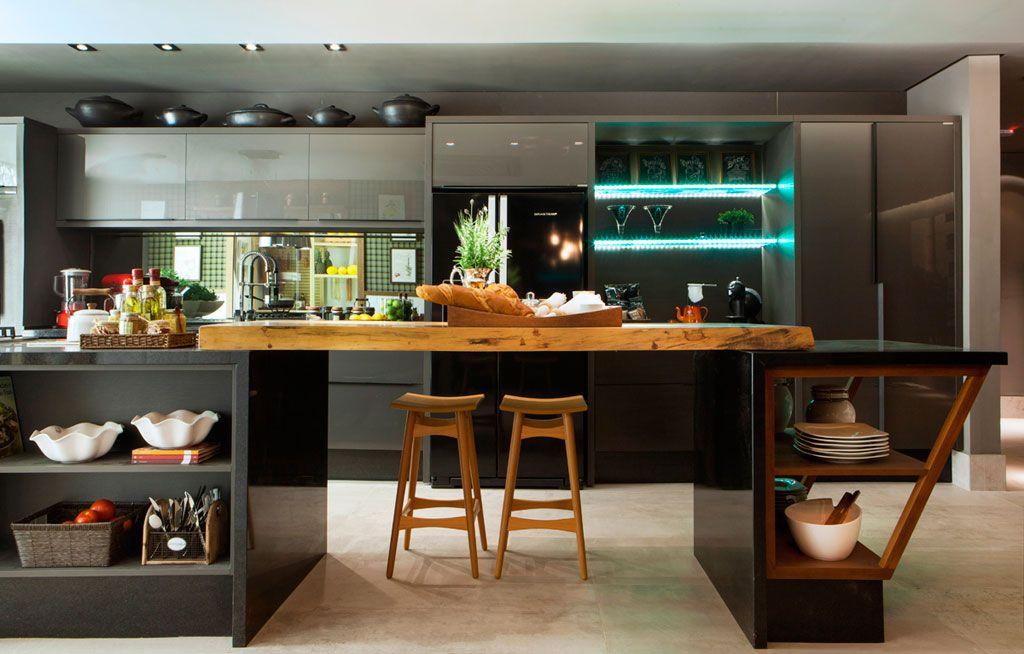 Cozinha   o ambiente de izabela kassar possui ampla área de apoio ...