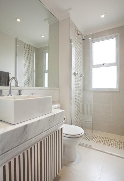 decora o banheiro simples banheiro branco adrianafontana. Black Bedroom Furniture Sets. Home Design Ideas